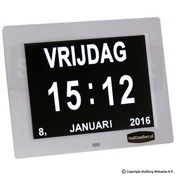 Kalenderklok met datum dag en tijd - Dayclox  Digitale Kalender Dag klok - 8.1 Heeft u of iemand in uw omgeving moeite met het bijhouden van de dagen? Vanaf nu hoeft dat geen probleem meer te zijn. Deze kalenderklok geeft automatische de dag datum en de tijd aan. De klok is speciaal ontworpen voor ouderen die lijden aan alzheimer of dementie. Doordat het LED scherm oplichtende letters en cijfers heeft kan de klok tevens dienst doen als nachtlampje. De klok is voorzien van een dimmer die het…