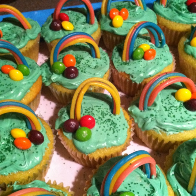 St. Patrick's day cupcakes..<3