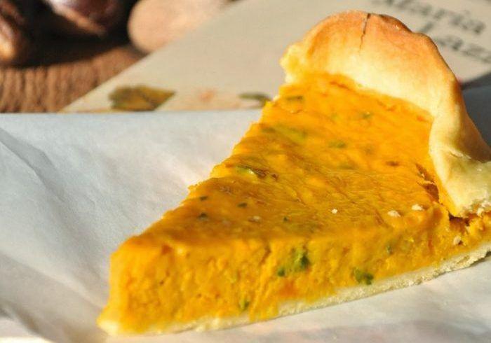 """una torta salata alla zucca e porri per un menù d'autunno. Ricetta tratta da """"la cucina del buon gusto"""" di Simonetta Agnello Horby e Maria Rosario Lazzati."""