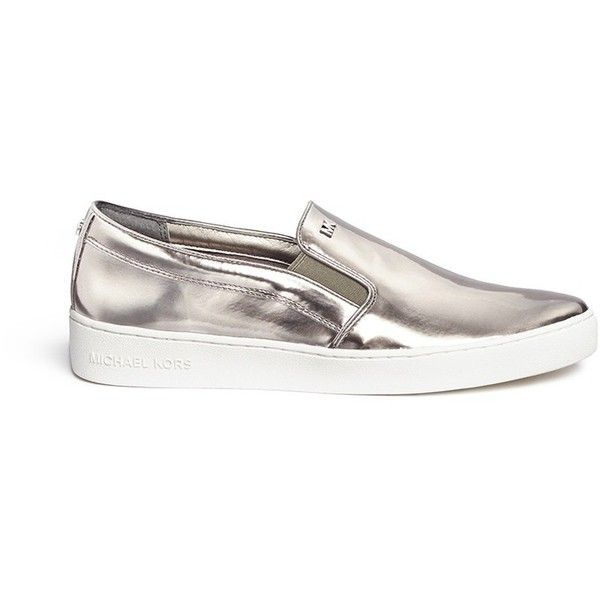 Michael Kors 'Keaton' mirror leather skate slip-ons (€140) ❤ liked on Polyvore featuring shoes, sneakers, metallic, metallic slip-on sneakers, michael kors, slip on sneakers, genuine leather shoes and leather shoes