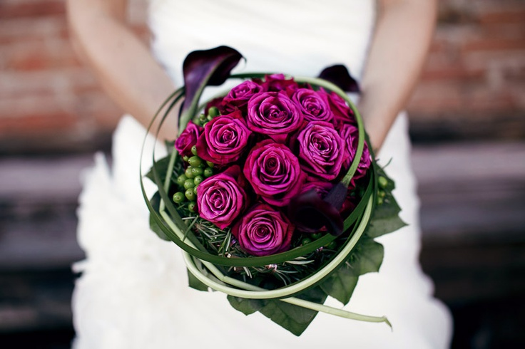 lila purple roses bouquet brautstrauß rosen hochzeit wedding