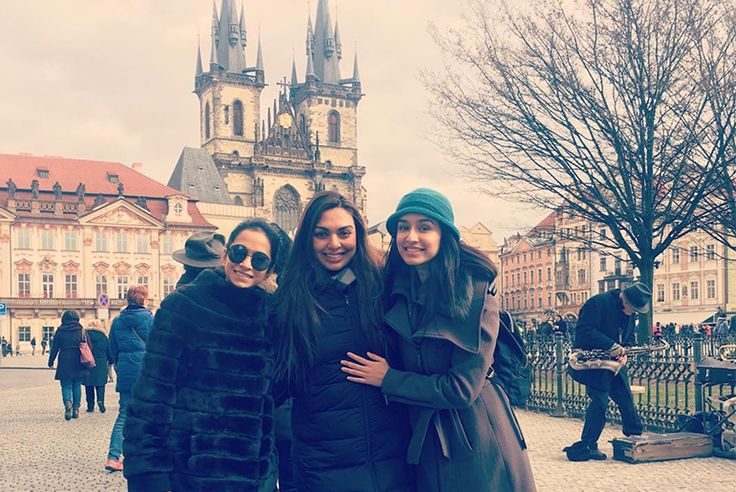 Post-Birthday Of Shraddha Kapoor At Prague, Ajay Devgan in Rajasthan & Oh my god! look at Kriti's Excitement for Goa. We feel the same.