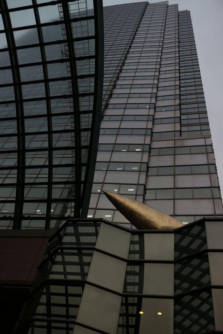 https://flic.kr/p/ZEcH62 | super high-rise building | looking up at Yebisu Garden Place Tower, Tokyo, Japan.