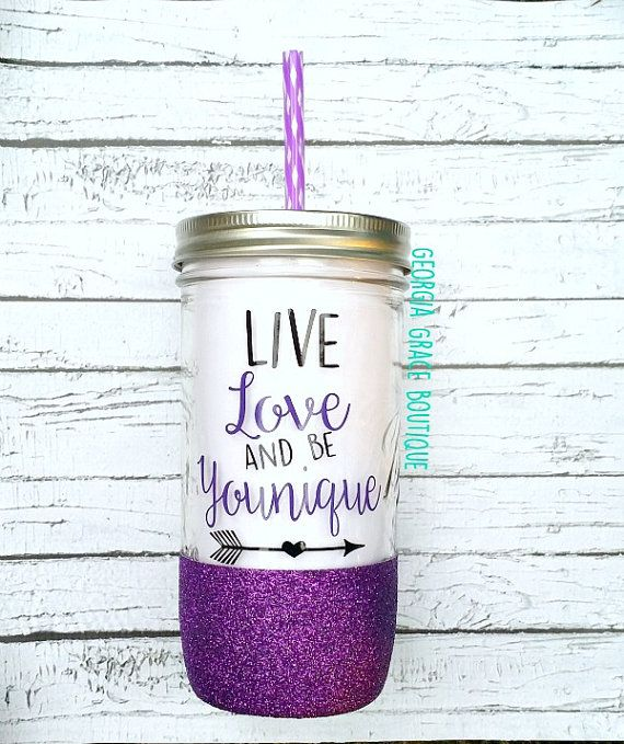This Younique glitter dipped mason jar tumbler the perfect gift for any occasion. Personalized with the phrase Live, love and be Younique.
