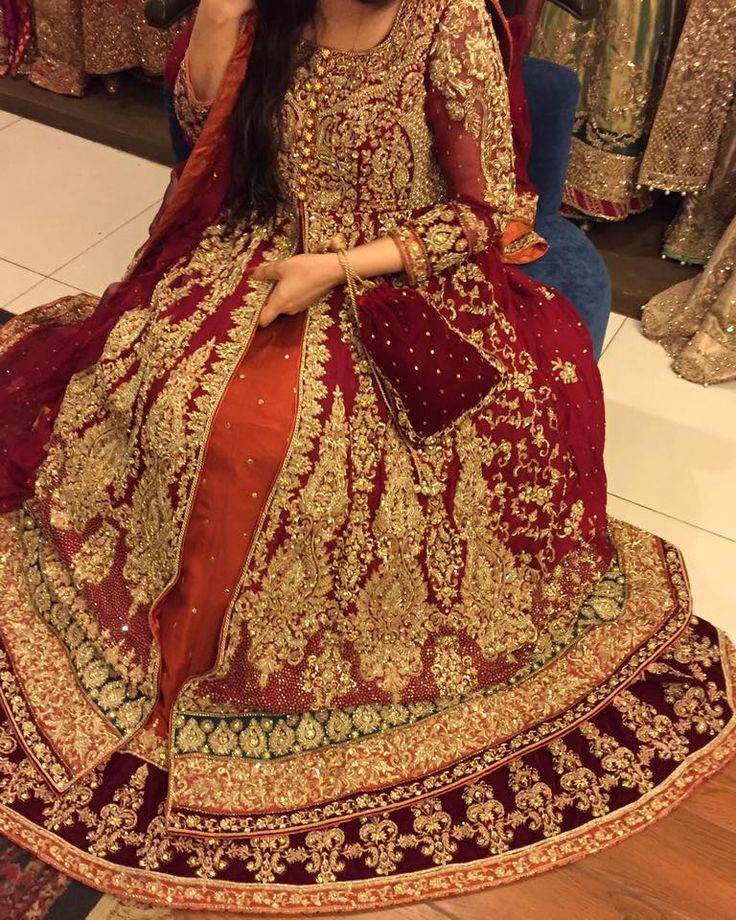 ELEGANCE BRIDAL DRESS 2017