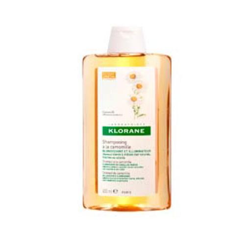 Klorane Shampoo Manzanilla - 400Ml (Shp Camomille) Da resplandor, brillo y reflejos rubios a los cabellos claros. Shampoo reflejos dorados con extracto de camomila acentúa el dorado de los cabellos rubios o castaño claros. Proporciona reflejos luminosos.