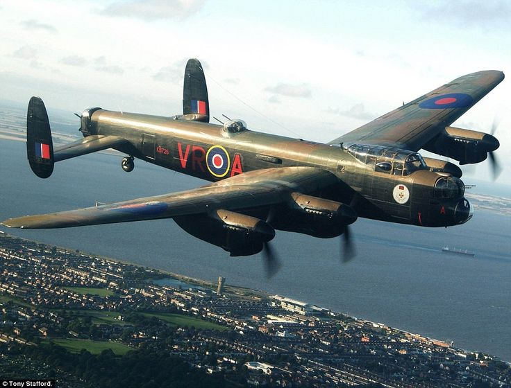 'We were incredibly close': A photograph taken of the Canadian Lancaster bomber from on board Action Station's Piper Chieftain