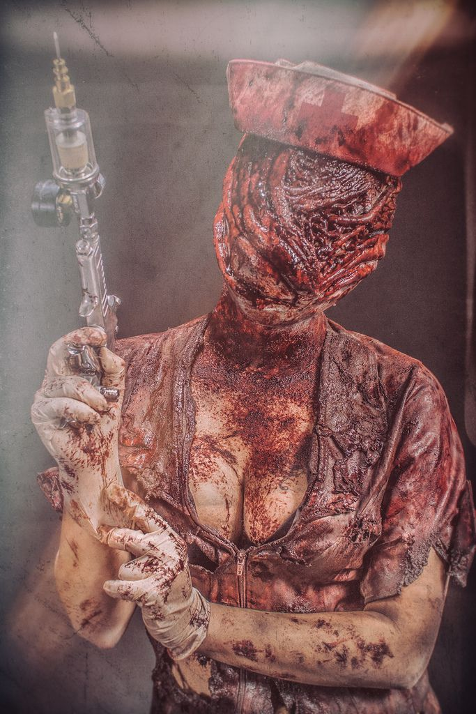 Silent Hill - behind the scenes - Sexy
