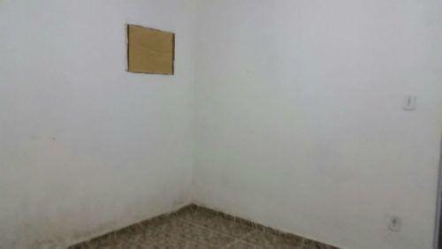 Alugo linda casa bem aconchegante, ambiente tranqilo. Quarto sala cozinha banheiro. Saiba mais em 21985844771 whatssap 21964478777