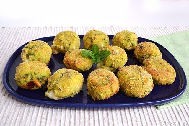 » Polpette di patate e zucchine Ricette di Misya - Ricetta Polpette di patate e zucchine di Misya