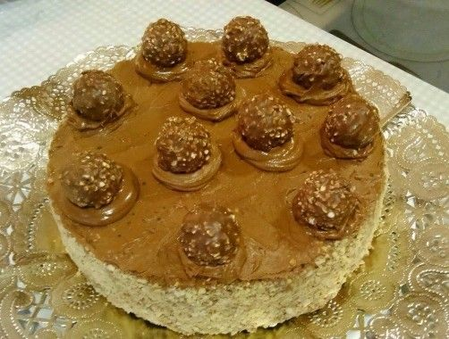 Pastel de Ferrero Rocher para #Mycook http://www.mycook.es/receta/pastel-de-ferrero-rocher/