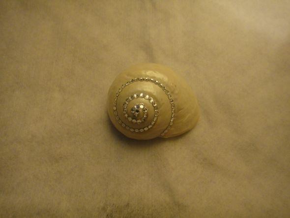 decorate using shells: Wedding Favors