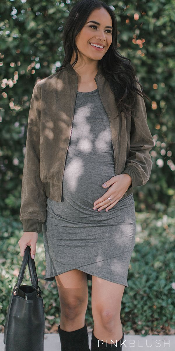 Edgy-chic is the best style! Super trendy and comfortable, bomber jackets are so in right now. You'll look and feel amazing as soon as you put this maternity jacket on. Versatile and easy to pair, simply style this cropped bomber jacket with a basic maternity tee and ripped jeans for a chic look.