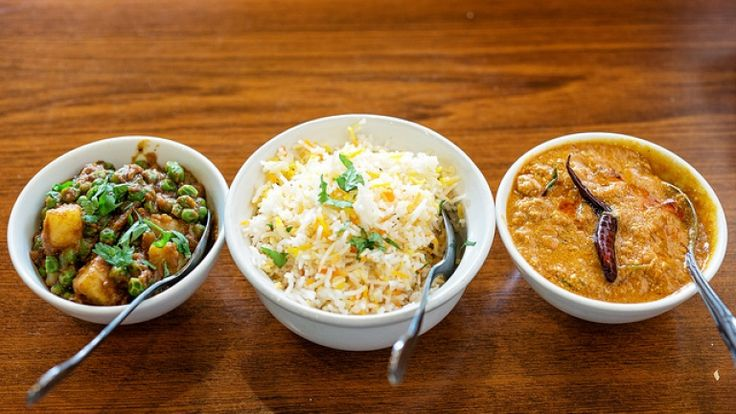 Cucina indiana: Curry di pollo, riso basmati e lenticchie
