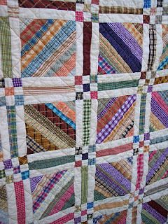 Strip quilt and sashings looks like a fun quilt to make, so could my men's shirts on this