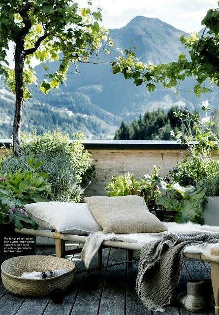 Italian-inspired rustic patio style. /