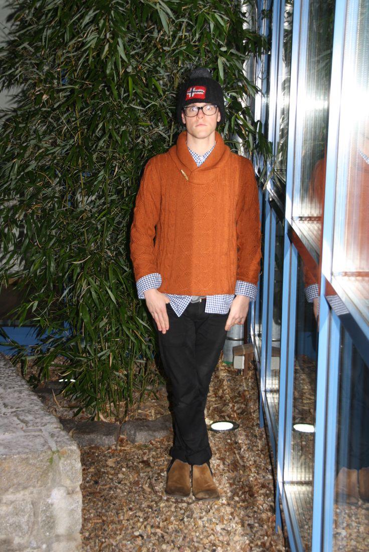 Me New Style vom Shooting  Hose von Levis   Hemd Polo  Ralph Lauren   Pullover Zara   Chelsea-Boots von  Goetz