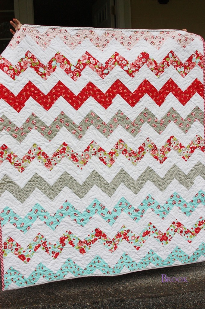 Great zig-zag quilt @ being brook using no half square triangle tutorial here: http ...