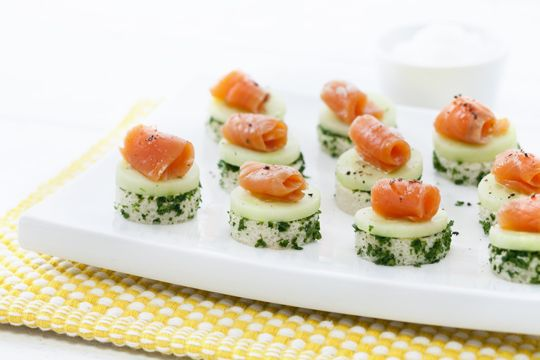 Cucumber cream canap s recipe to be seasons and for Canape ideas nigella