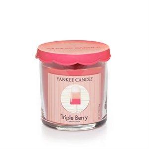 Triple Berry    En aptitretande, fruktig söt kombination av allas favorit bär -  jordgubbar, körsbär och hallon - på is.