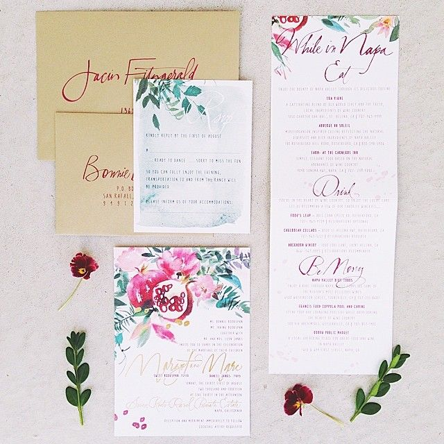 Just beautiful / via Lovely Little Details / illustration by Julie Song InkPomegranates Invitations, Juliesongink Com, Invitations Stationary, Handlettering Design, Floral Design, Beautiful Paper, Colors, Paper Good, Invitations Suits