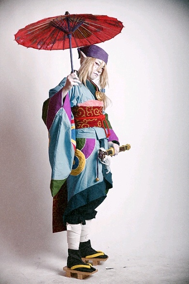 Mononoke - The Medicine Seller. I've never seen this Anime before but what an amazing costume - cannot unsee now must watch!
