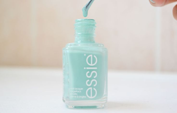 Vernis Mint Candy Apple d'Essie #blue #Essie #green #nail #nailpolish