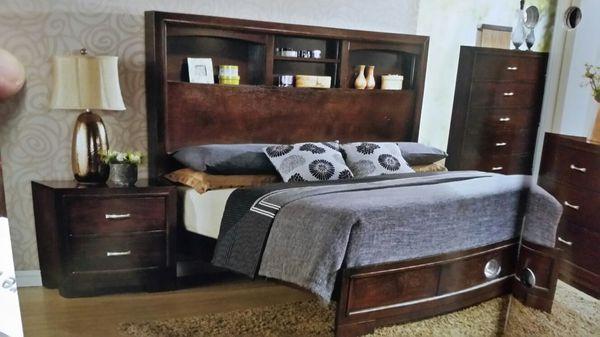 Queen platform bed with the queen mattress ( Furniture ) in Haltom City, TX - OfferUp