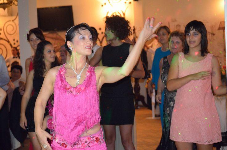 Dansatori evenimente http://www.lotusdance.ro/dansatori-evenimente/