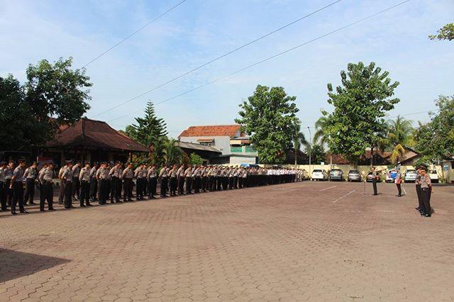 Wakapolres Kompol Arianto Salkery S.H.M.H. pimp laks Apel pagi polres pemalang. #polisi_indonesia #hmspoldajateng #humasrespemalang #abdi_negara