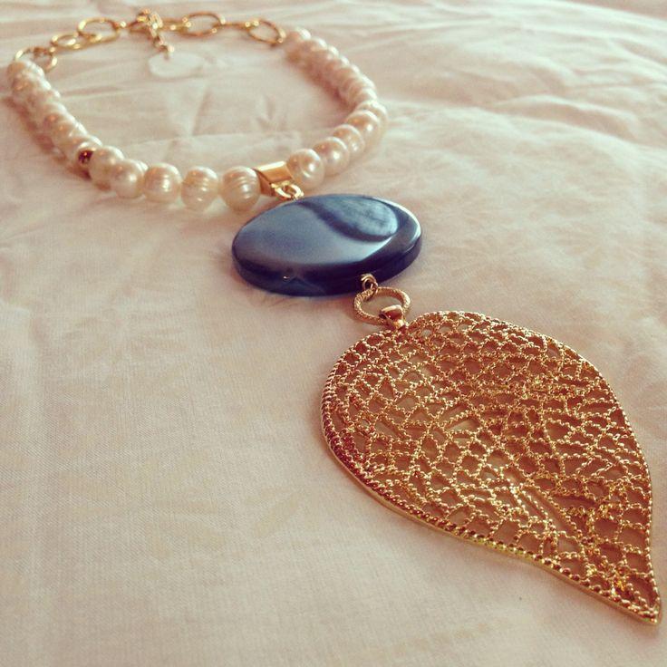 Collar de perlas y agata by Luz Marina Valero