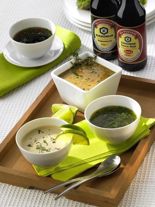 4 SAUCESà base de sauce soja ►Sauce au citron/soja 50 ml d'eau ½ c.à.s de fécule ½ c.à.s de sauce soja Kikkoman ½ c.à.s de vinaigre de riz 10 g de sucre complet 1 c.à.s jus de citron 2 c.à.s oignons nouveaux ►Sauce au miel et à la sauce soja: 4-5 c.à.s de vinaigre 4 c.à.sd'huile 2-3 c.à.s de sauce soja Kikkoman 3-4 c.à.s miel poivre 1-2 c.à.s de ciboulette