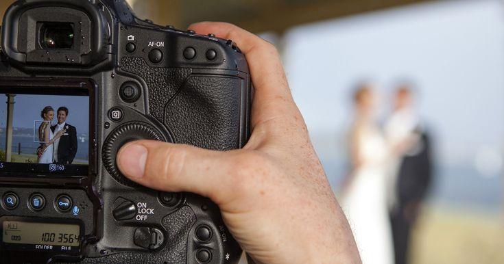 Fotograf nunta Bucuresti, servicii foto-video nunta, botez, evenimente, raport calitate pret excelent. Fotografie artistica profesionala, filmare Full HD.