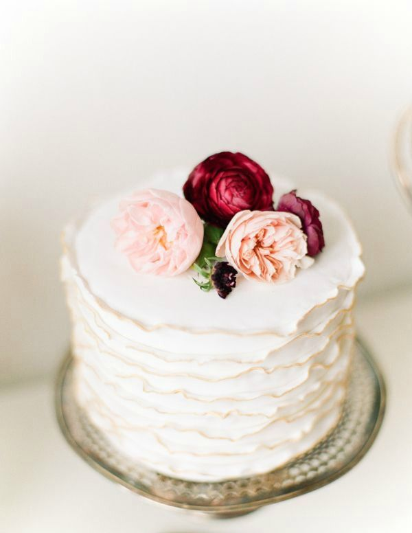 30 WOW Wedding Cakes for 2015 | weddingsonline