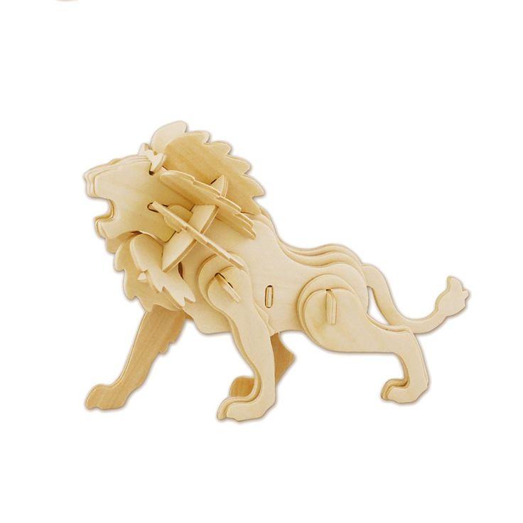 Maak een houten constructie van een leeuw met deze houten 3D puzzel van Eichhorn. Druk de verschillende onderdelen uit de houten plaat, verbind ze aan elkaar en zie een 3D figuur van een leeuw verschijnen. Spelen met de 3D puzzel stimuleert de ontwikkeling van vormherkenning en het probleemoplossend vermogen. Inclusief handleiding. Afmeting: puzzel 23 x 18 cm - Eichhorn 3D Puzzel Leeuw
