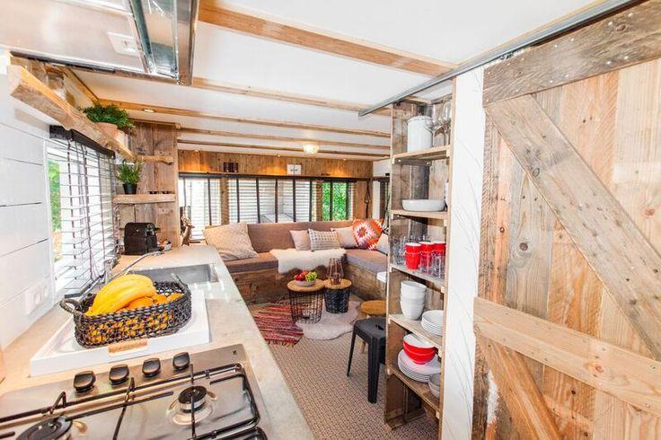 Mountain lodge woonkamer keuken