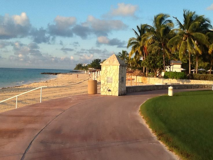 Wow !  Beautiful walkway (& morning) beside Grand Bahamas , Memories Resort.   Lots more pics like this to share.  Beachcomber Bob would like to return soon to this paradise ;)