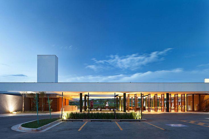 Alphaville Brasilia Club House,© Haruo Mikami