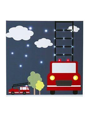 """Tatütata! Feuerwehrautos unter freiem Himmel im Einsatz! Das Leuchtbild """"Feuerwehr"""" zeigt in prächtigen Farben tolle Feuerwehrautos mit Leitern, Bäume und Wolken auf dunkelblauem Grund. Das Leuchtbild in handlichem Format (48 x 48 cm) findet praktisch an jeder Kinderzimmerwand seinen Platz und leuchtet schön im Dunkeln.  Produktdetails:Leuchtbild """"Feuerwehr"""" für Kinderzimmer: MDF E1, mit Leinwand bespannt. 24 LED-Leuchten hinter der Leinwand. Betrieb mit 2 LR6-Batterien (nicht im…"""