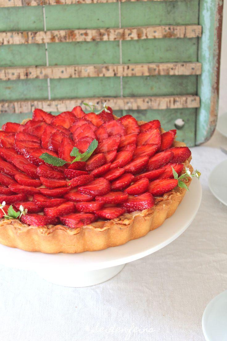 seidenfeins Blog vom schönen Landleben: smukke kager ! Dänische Erdbeertorte mit Salzkaram...