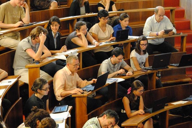 Il media team. Gli studenti del Master in Comunicazione delle Scienze dell'Università di Padova, documentano la giornata via Twitter e Google+  https://plus.google.com/u/0/b/109504215453791497622/109504215453791497622/posts