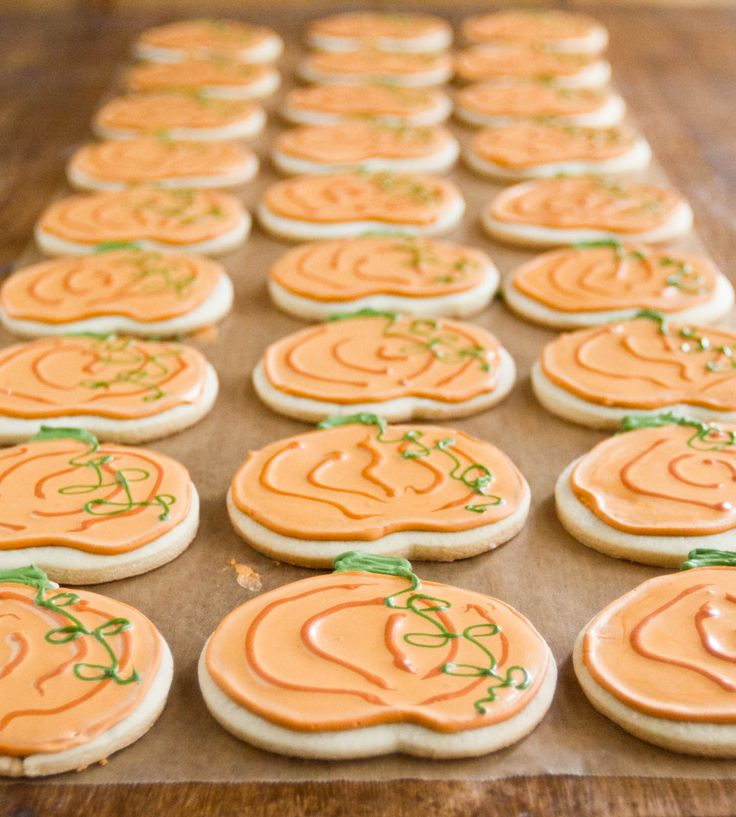 pumpkin spice sugar cookies... maybe a maple cream icing too