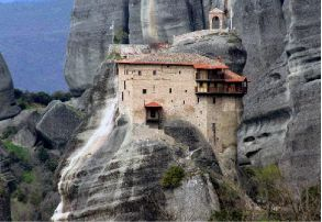 Meteora, Greece http://www.myathenstransfers.com/tours/