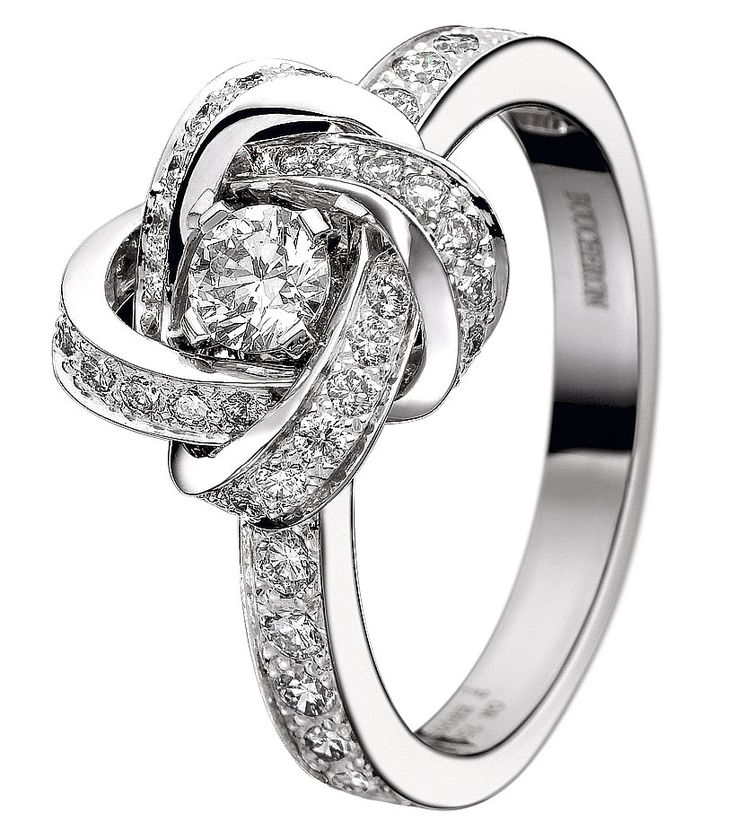Incredible know designed diamond engagement ring www.finditforweddings.com