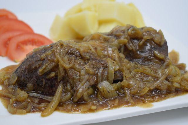Dominique's kitchen: Rundslever met ajuin - Beef liver and onions  Beef liver and onion sauce Rundslever en uiensaus  Curious for the recipe AND MY INSTRUCTION VIDEO? Click on the picture below. Nieuwsgierig naar het recept EN MIJN INSTRUCTIEVIDEO? Klik op onderstaande foto.  #beefliver #onions #rundslever #ui #liver #dominiqueskitchen #onionsauce