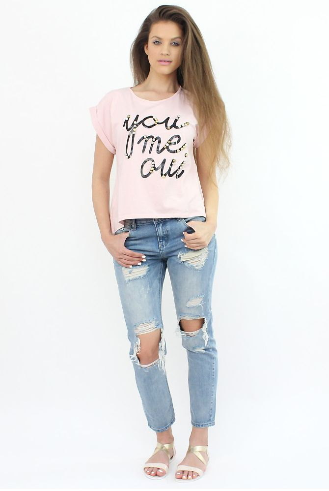 Ripped Lightwash Boyfriend Jeans- perfect for festivals and a shopping day in the city,..:)  #shopping #moda #style #fashion #denim #jeans