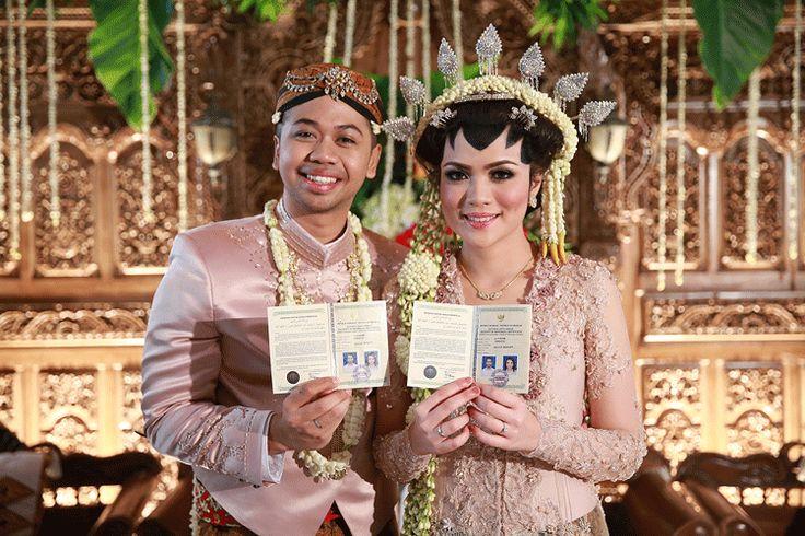 Akad nikah dengan adat Jawa - www.thebridedept.com