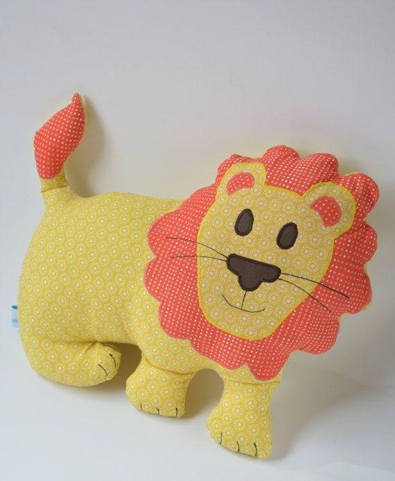 Löwenkissen Leo the lion das Kuschelkissen für von Stoffsymphonie, kr220.00