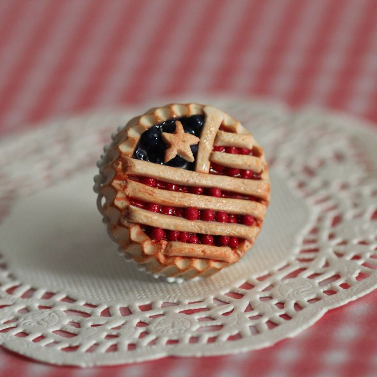American Pie Ring  - Fourth of July Pie jewelry - Miniature Food Jewelry - Food Ring - Kawaii Ring by Dleesnow on Etsy https://www.etsy.com/listing/221054164/american-pie-ring-fourth-of-july-pie