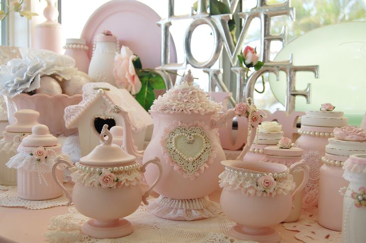 A picture gallery of Luv My Stuff Sugar Paint shabby chic home décor creations